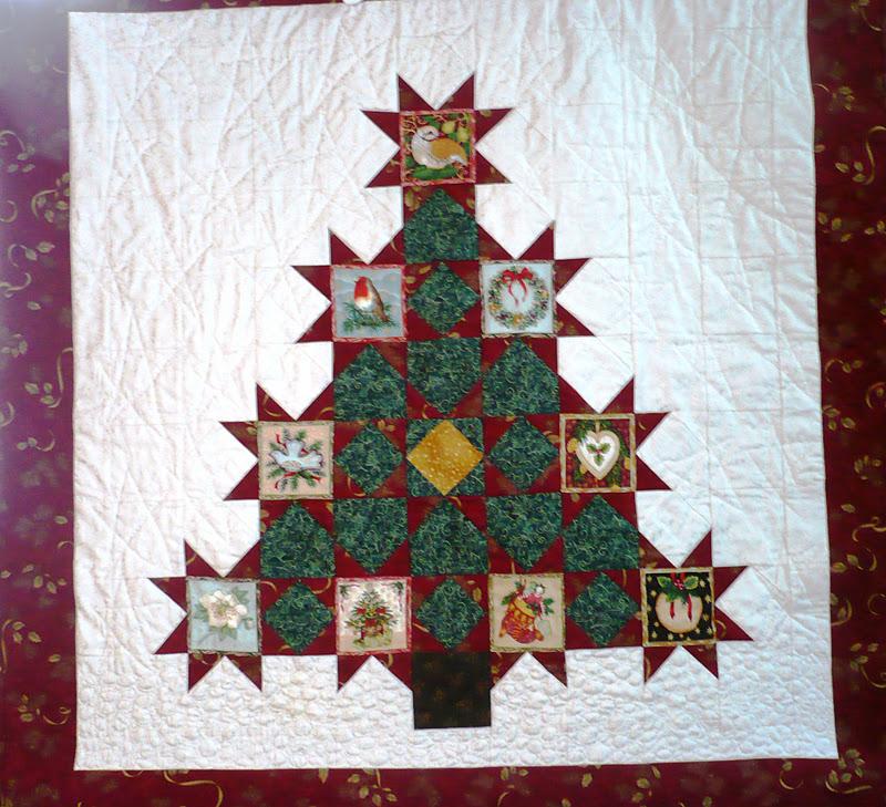 Kerst Quilt Patronen.Kerstboom Met Plaatjes Laura S Quilt Atelier