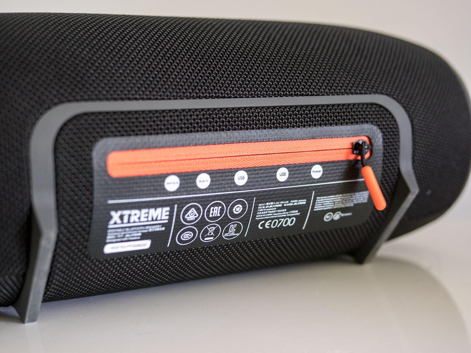 JBL Xtreme Portable Wireless Bluetooth Speaker (Red)