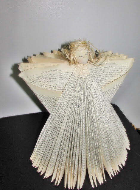 #diy.jpg taittele kirjasta enkeli