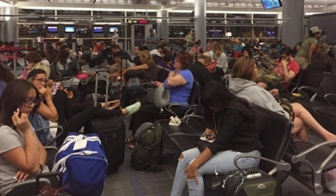 delta airlines flights grounded network problems