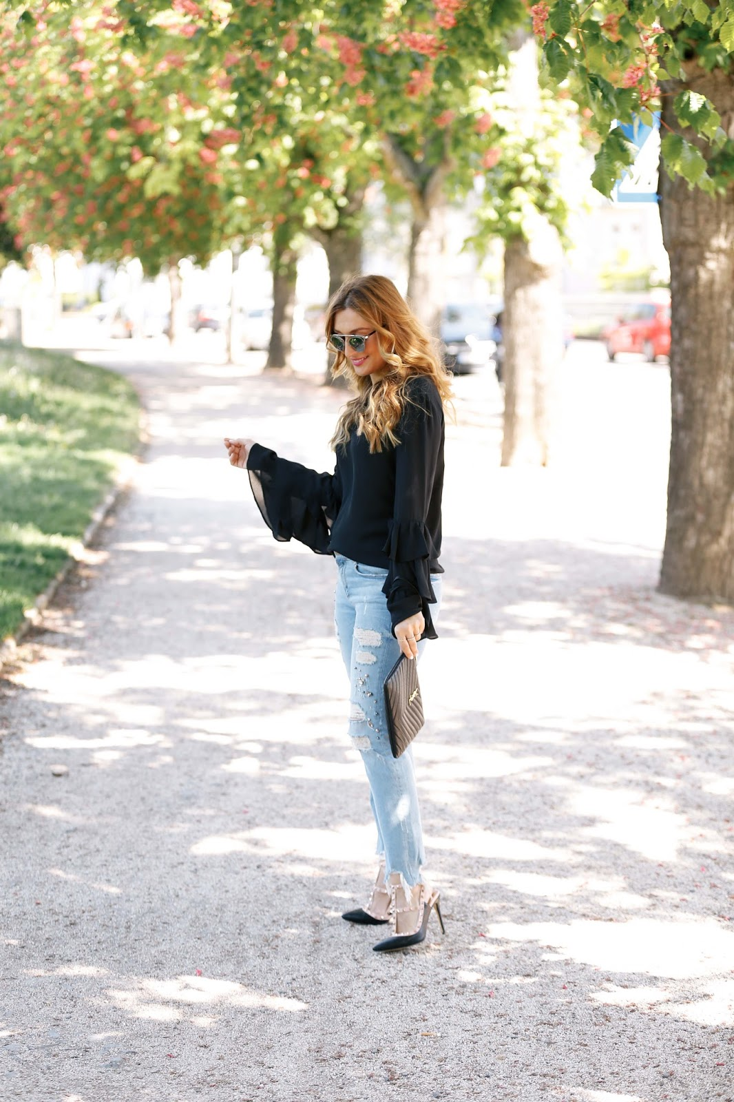 schwarze-volant Bluse-blogger-us-deutschland-deutsche-fashionblogger-valentino-rockstud-lookalike-ivyrevel-bluse-fashionstylebyjohanna