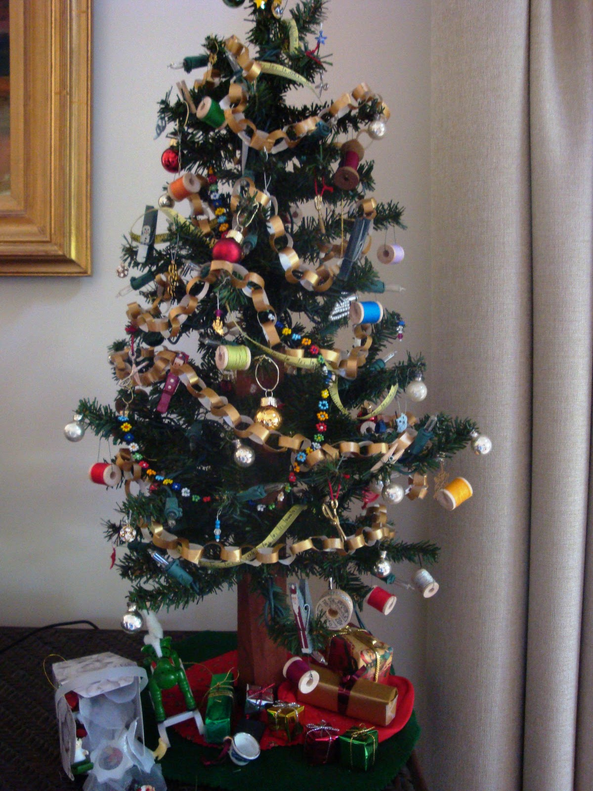 Christmas Tree In India.Entertaining From An Ethnic Indian Kitchen Put A Personal