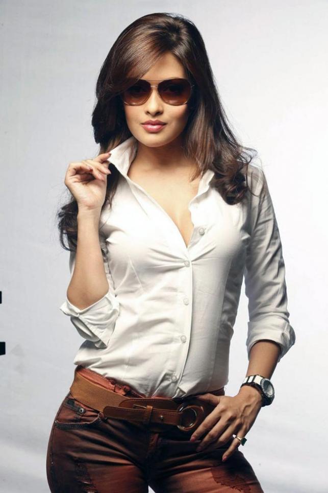 Riya sen latest hot photo shoot stunning look