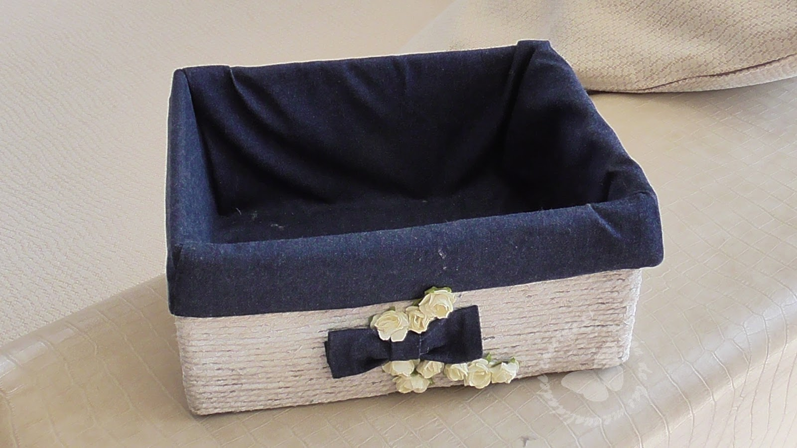 El rinc n de las manualidades caseras c mo decorar una - Forrar cajas de carton con telas ...