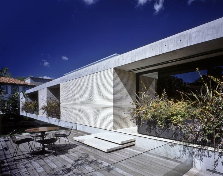 Terrace of House La Punta by Central de Arquitectura