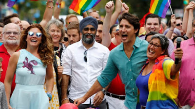 """Homem enfrenta 2 anos de prisão por distribuir panfleto """"Jesus salva"""" na Parada do Orgulho Gay"""