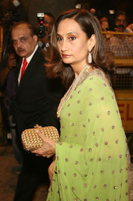Shobana-Bhartia-at-Saif-and-Kareena-Wedding-Reception