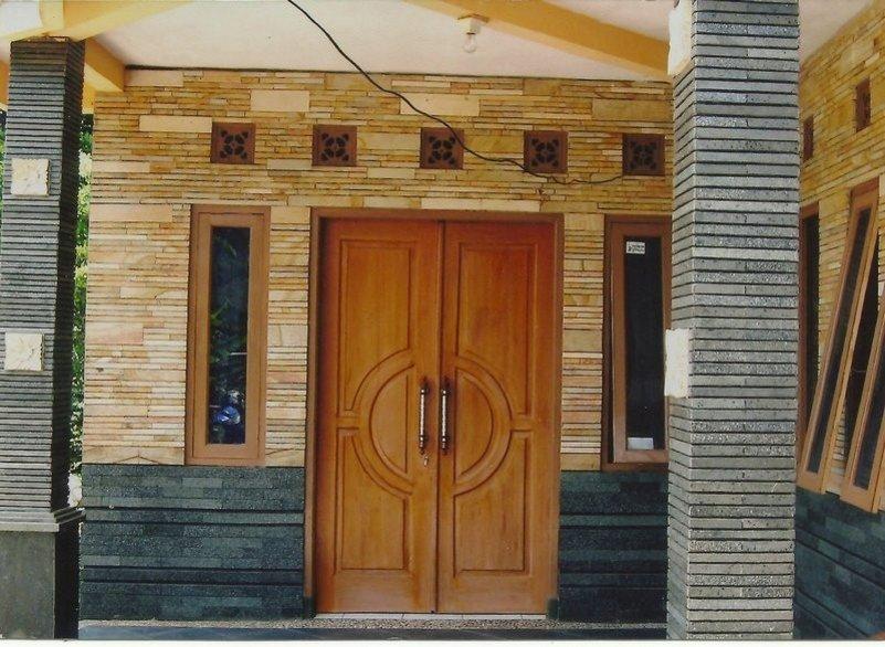 motif keramik dinding teras yang minimalis