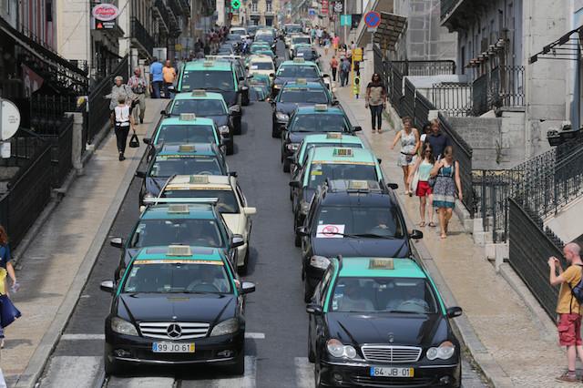 Táxi do aeroporto de Lisboa até o centro