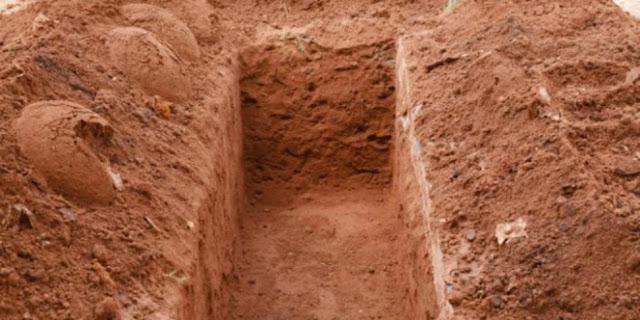 Kisah Nyata Jenazah yang di Himpit Bumi Karena Belum Melunasi Hutang, Mengerikan!