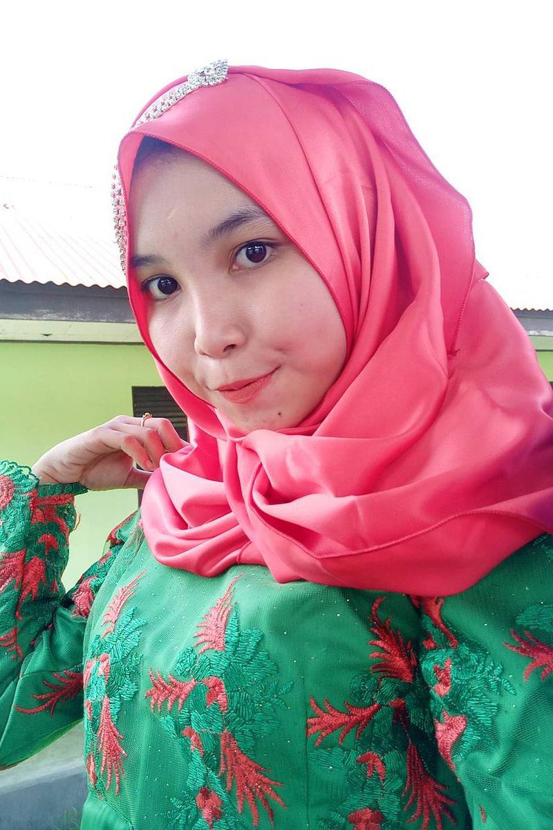 Cewek IGO jilbab Cantik azamka