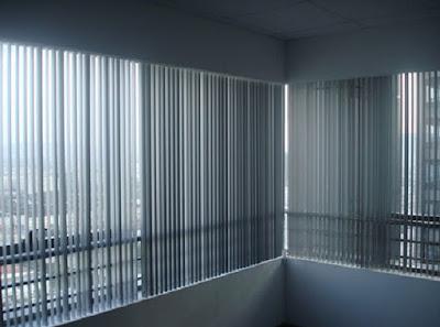 Có nên dùng rèm lá dọc cho cửa sổ văn phòng