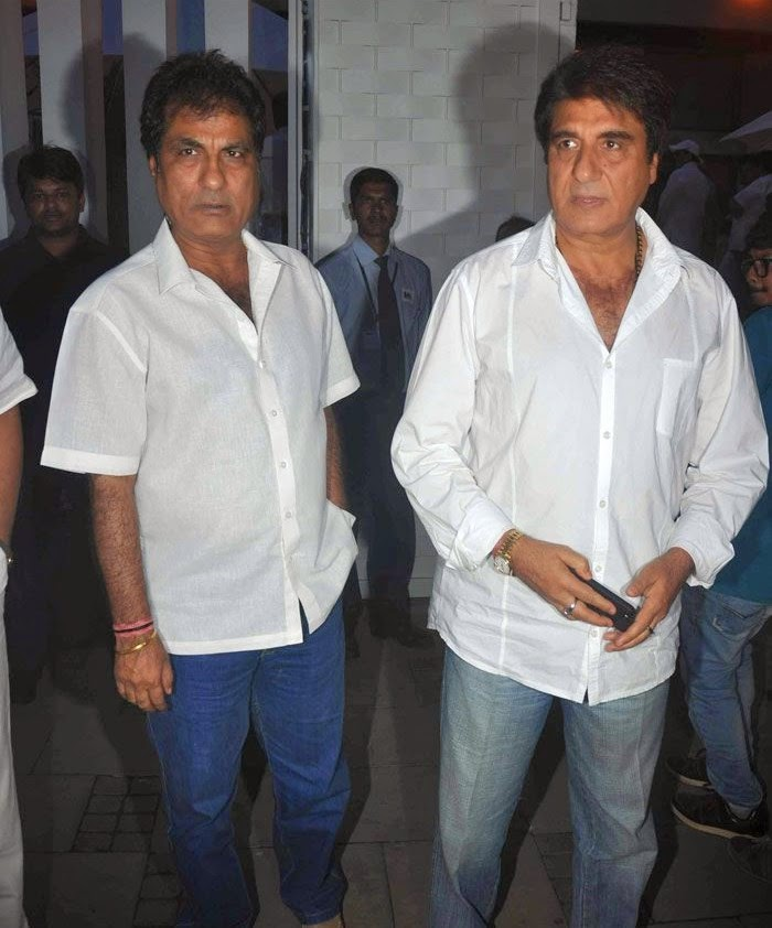 Raj Babbar, Pics from Condolence Meeting of Late Filmmaker Ravi Chopra