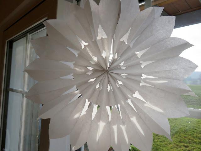 Stern aus Papiertüten