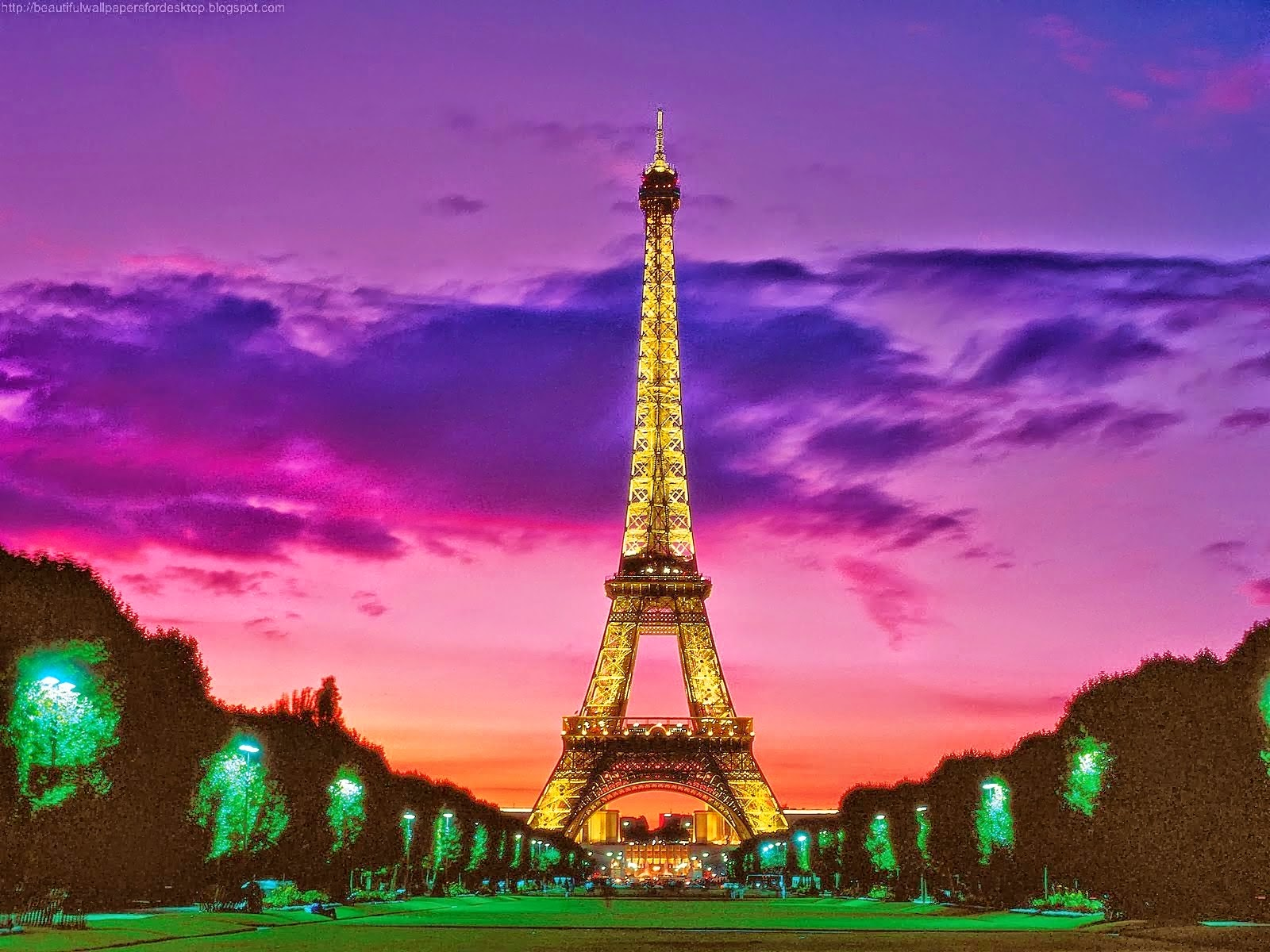 Amazing Eiffel Tower At Evening Time Wallpapers Eiffel Tower