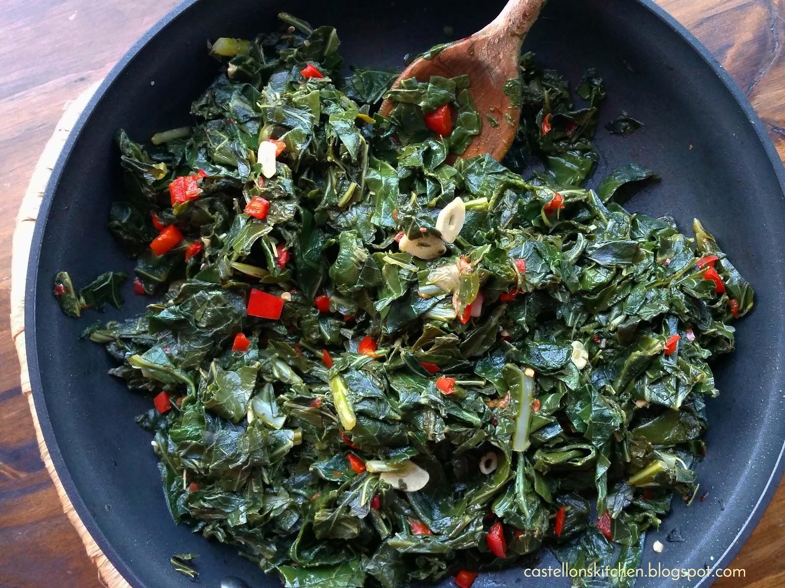 Castellon's Kitchen: Sauteed Collard Greens