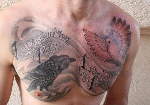 Corvo e uma pomba de Peito de tatuagem para homens