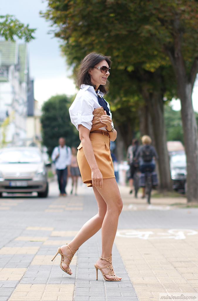 https://minimalissmo.blogspot.com/2016/08/shein-shorts.html