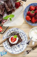 Ciasto z czekoladą i truskawkami