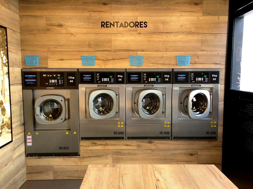 Self Service Laundry ~ Lavanderia autoservicio en barcelona lavandería