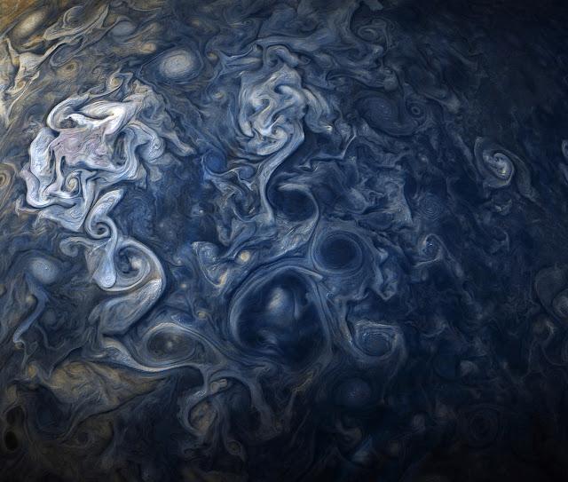 木星探査機ジュノーが撮影した、木星の写真がもはや絵画【n】