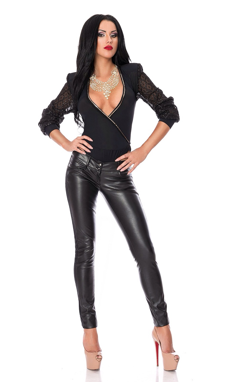 Tight Leather 33