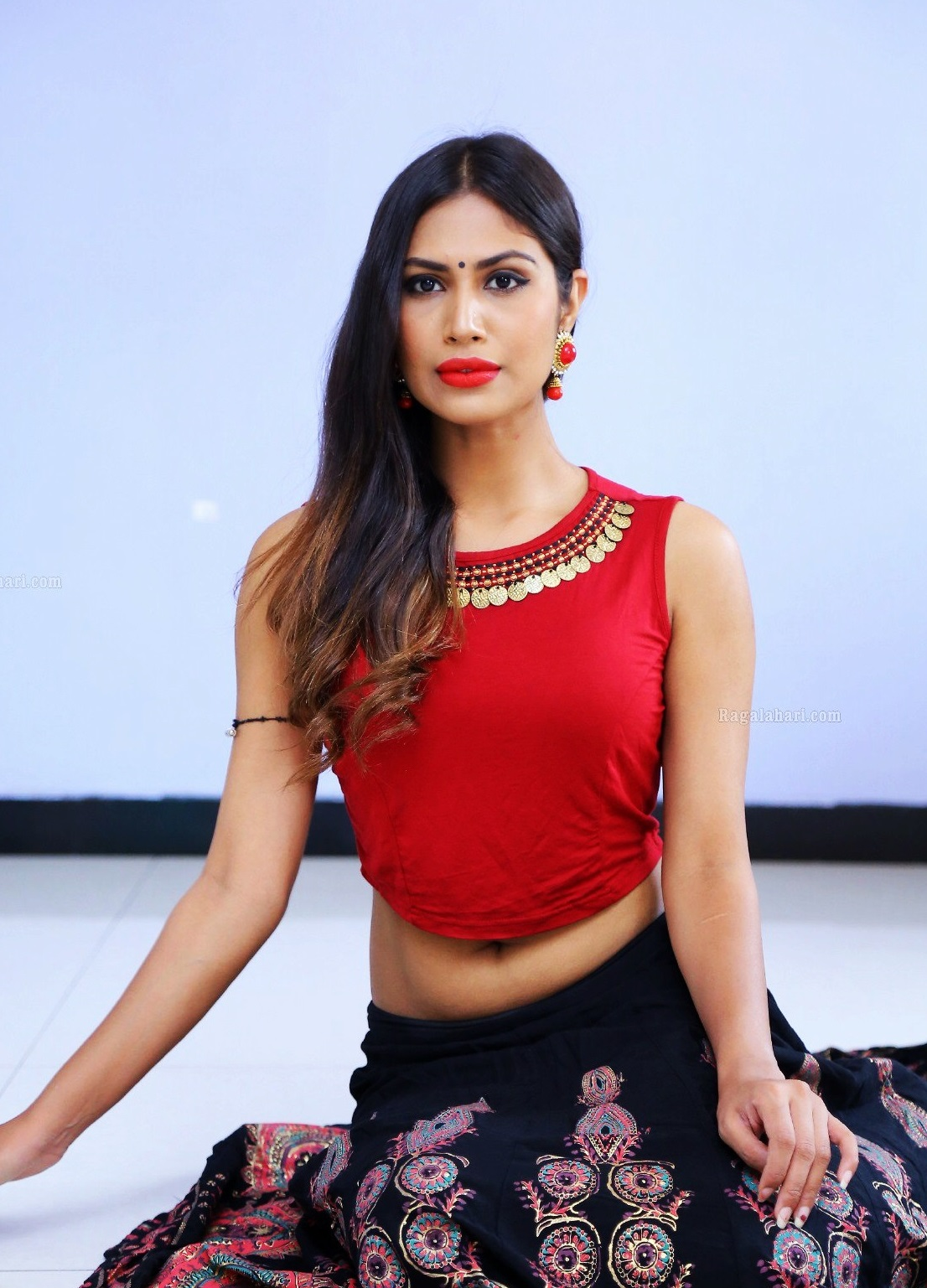 Hot Indian Actress Nishi Ganda Hot Navel-7406
