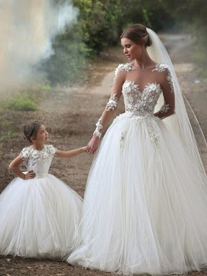 http://www.dressesofgirl.com/popular-ball-gown-scoop-neck-tulle-chapel-train-appliques-lace-long-sleeve-wedding-dress-dgd00022593-5483.html