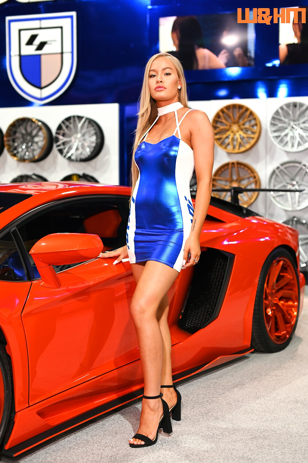 2019 SEMA girl photos