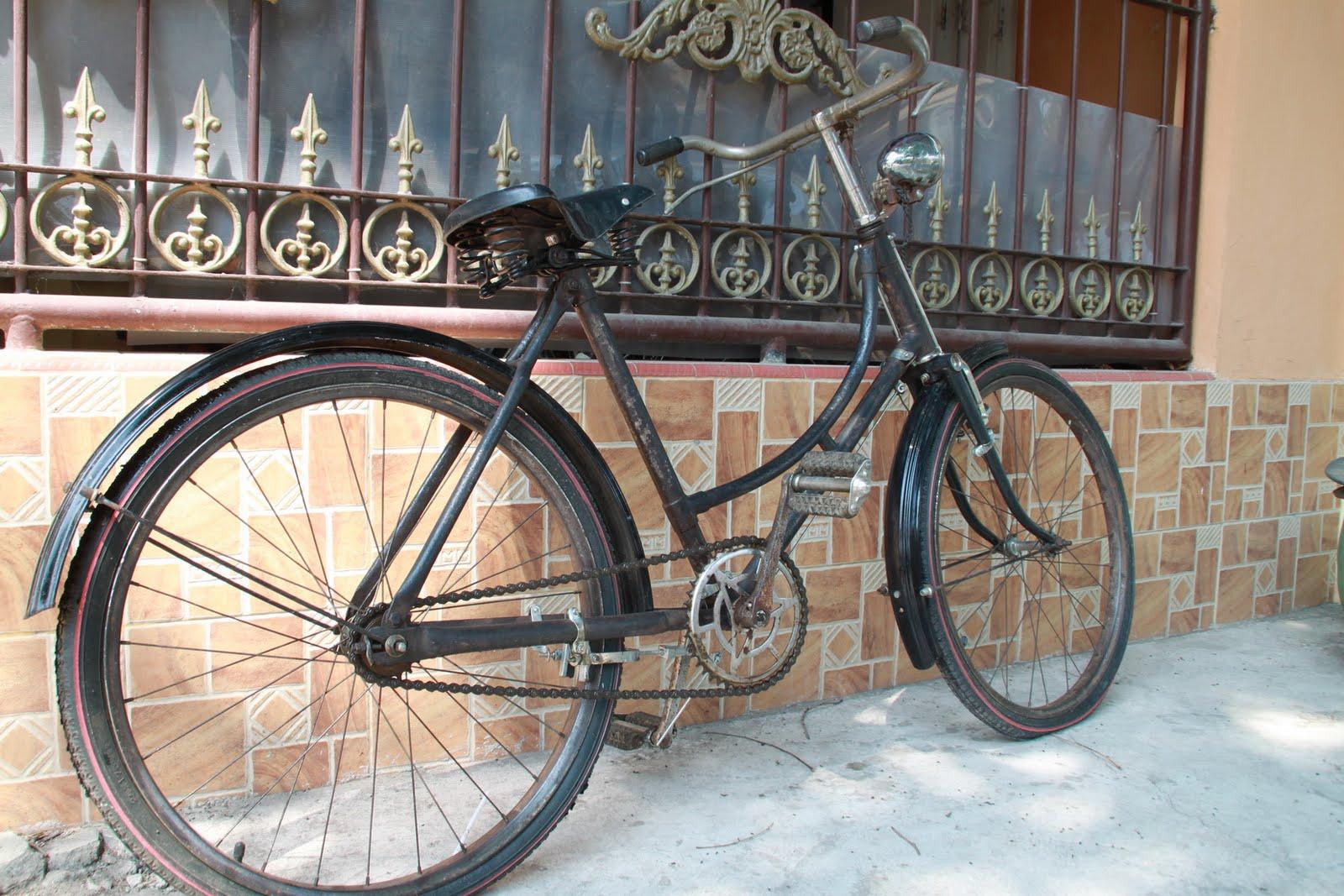 KIOS BARANG ANTIK Sepeda onthel kecil ROYAL 24