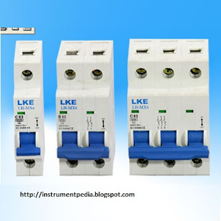MCCB (Mould Case Circuit Breaker)