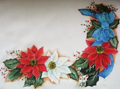 caminho de mesa pintado com tema natalino flores e laço de fita