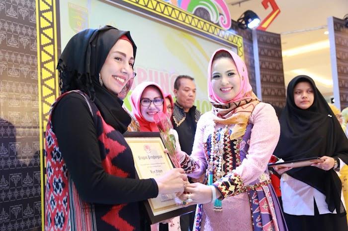 Yustin Ficardo Apresiasi Kreativitas Desainer Lampung Fashion Show 2018