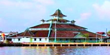 Masjid Jami Pontianak (Sultan Syarif Abdurrahman) Tempat Wisata Sejarah Sekaligus Wisata Religi