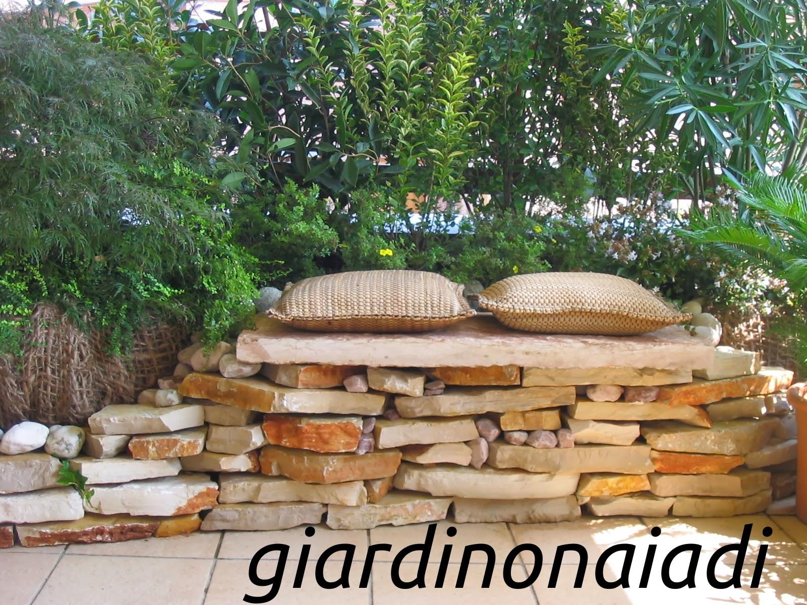Il giardino delle naiadi il giardino segreto for Giardini decorati