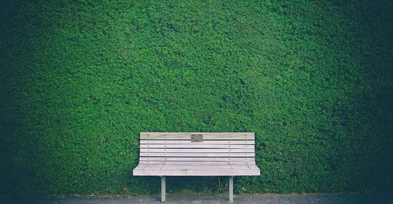 雨木散文故事,坐在這裡