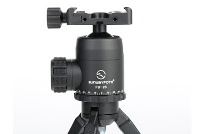 Sunwayfoto FB-28 ball head on table top tripod