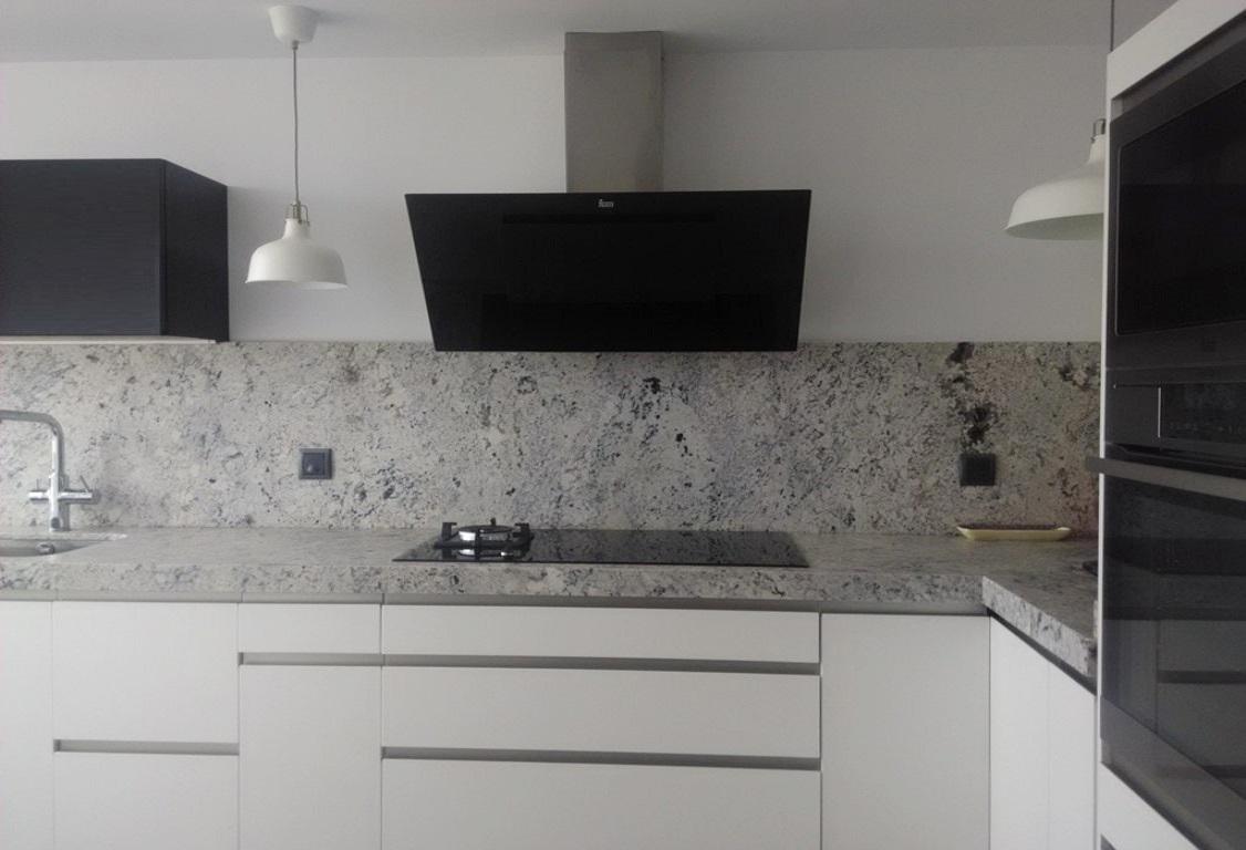 Negro, blanco y gris: una mezcla que realza una cocina de diseño ...