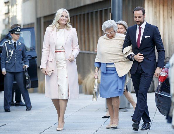 King Harald and Queen Sonja, Crown Prince Haakon and Crown Princess Mette-Marit, and Princess Astrid, Mrs Ferner.