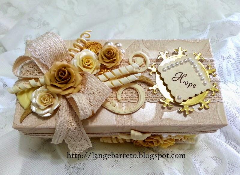 Caixa artesanal decorada