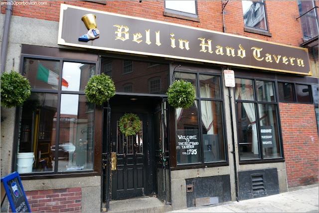 Fachada de Bell In Hand Tavern, Boston