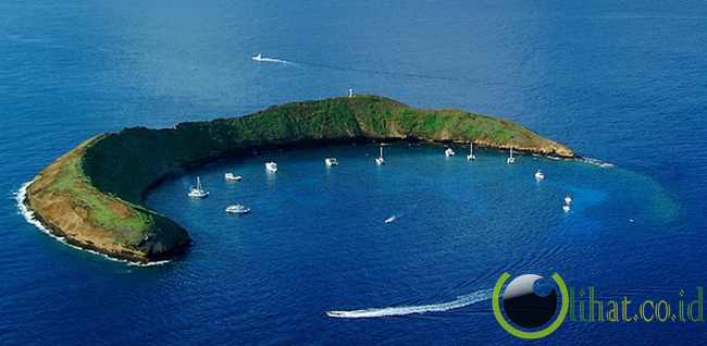Kawah Molokini, Hawaii, USA