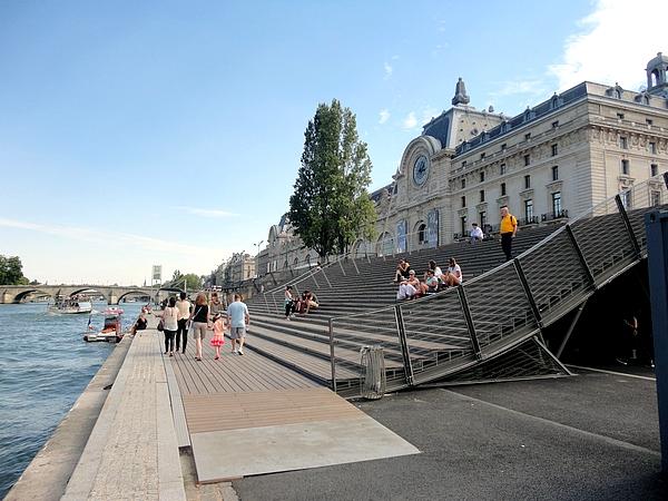 Museu d'Orsay a partir do Rio Sena