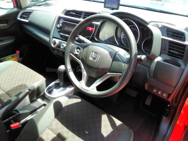Interior ruang hadapan Honda Jazz