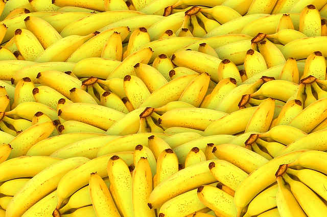 Benefits of Eating Bananas,banana benefits for skin,banana nutrition