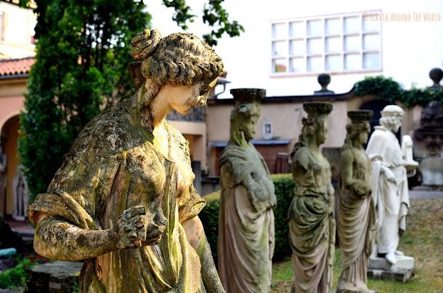 Estatuas de piedra del lapidarium