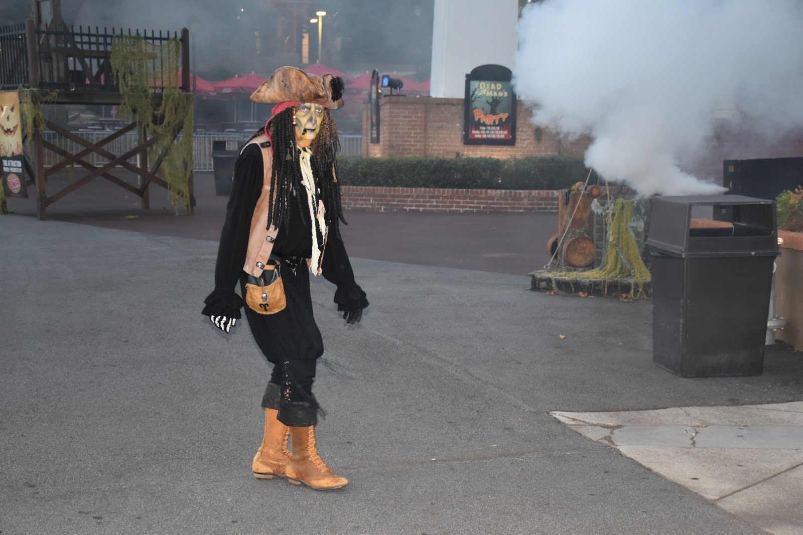 Is Six Flags Fright Fest Good for Kids?  A Mom Review  via  www.productreviewmom.com