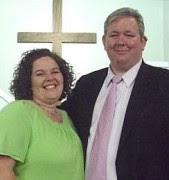 Pastor agradece a Deus por ter uma esposa gostosa