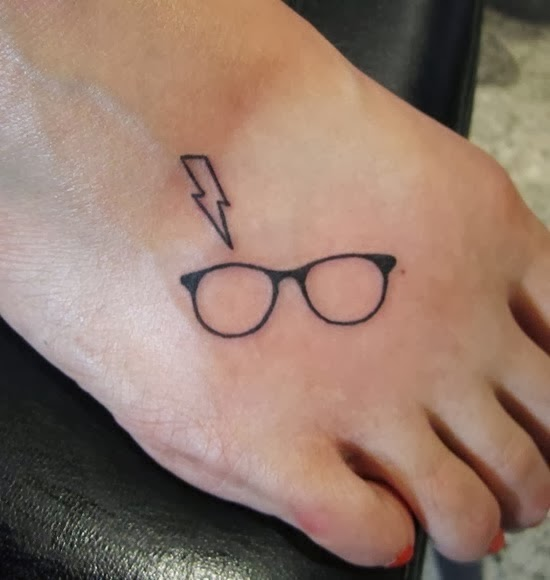 Lightning bolt  & glasses (Harry Potter) - smart tiny tattoo.
