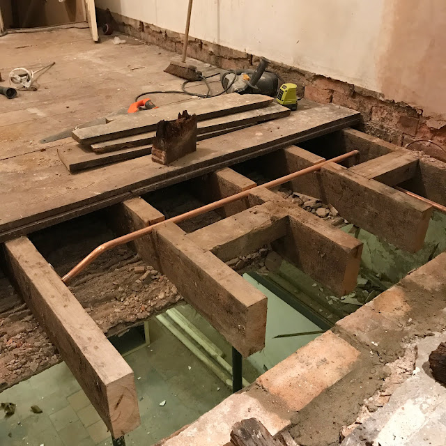 Cutting off rotten joists ends